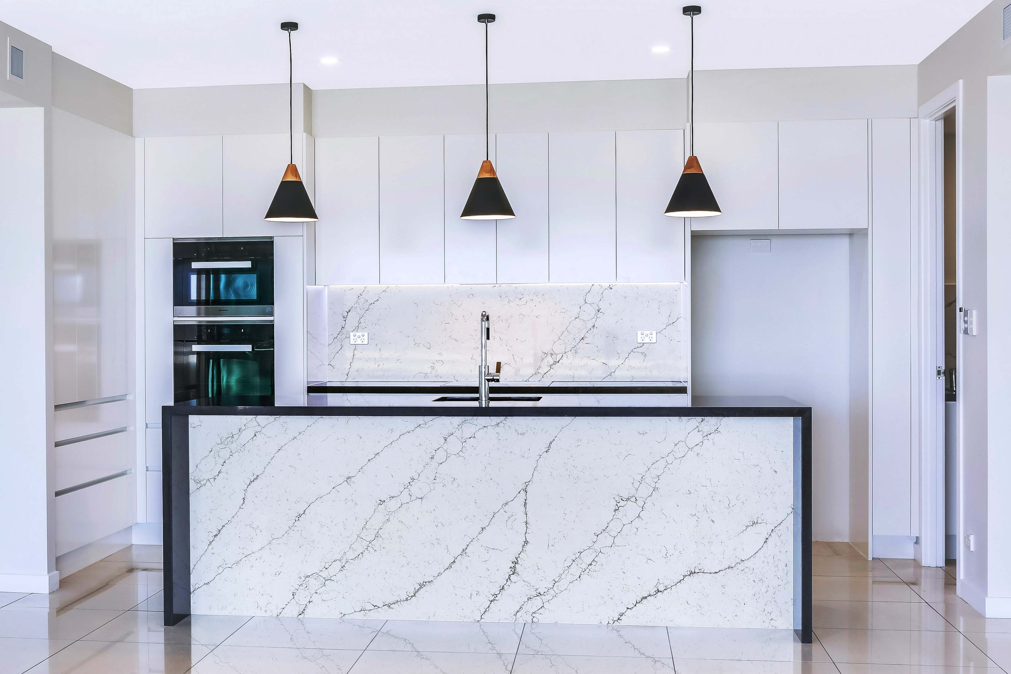 Polished White And Grey Veined Quartz Countertops From China