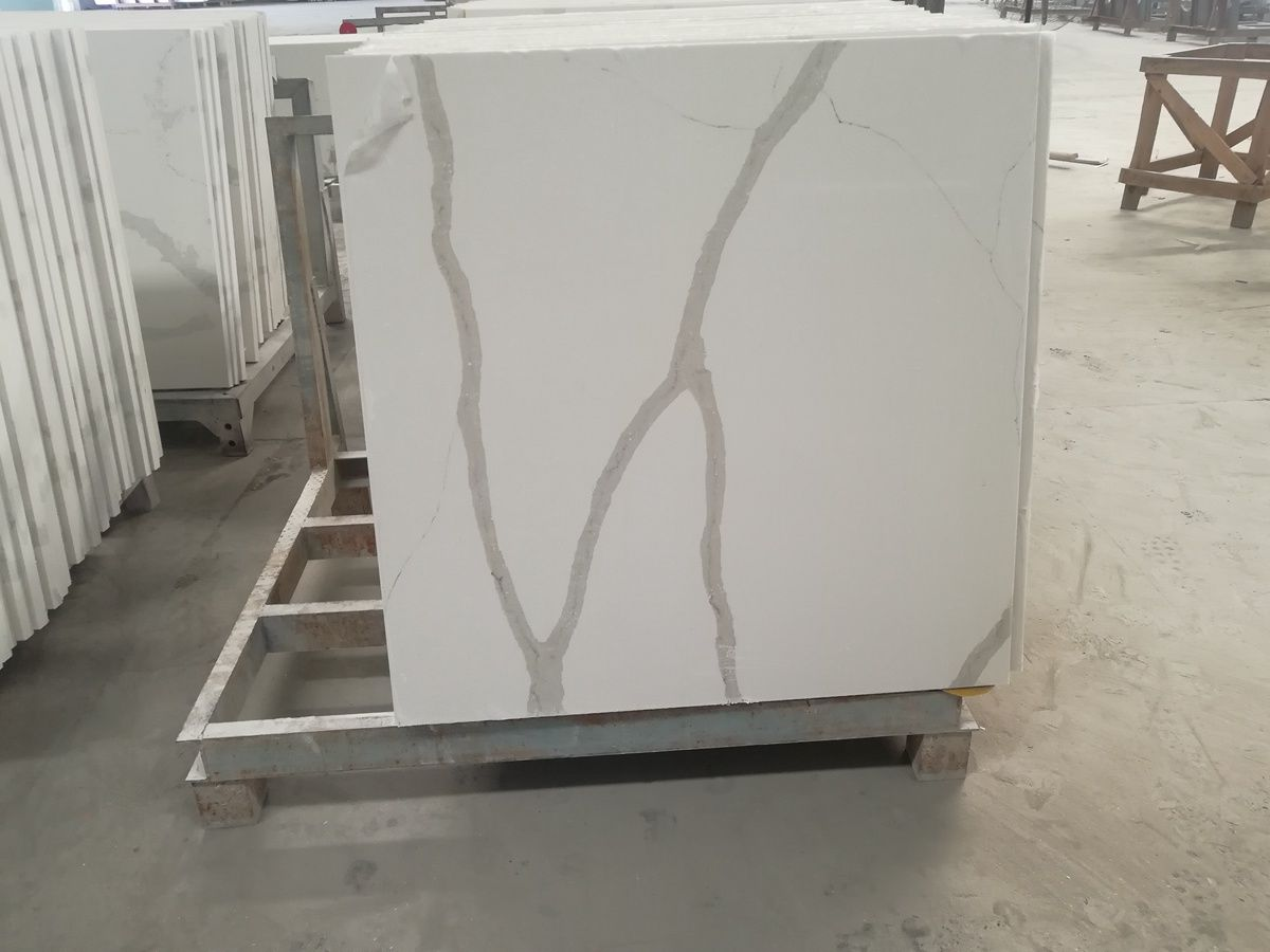 calacatta white quartz tops4.jpg