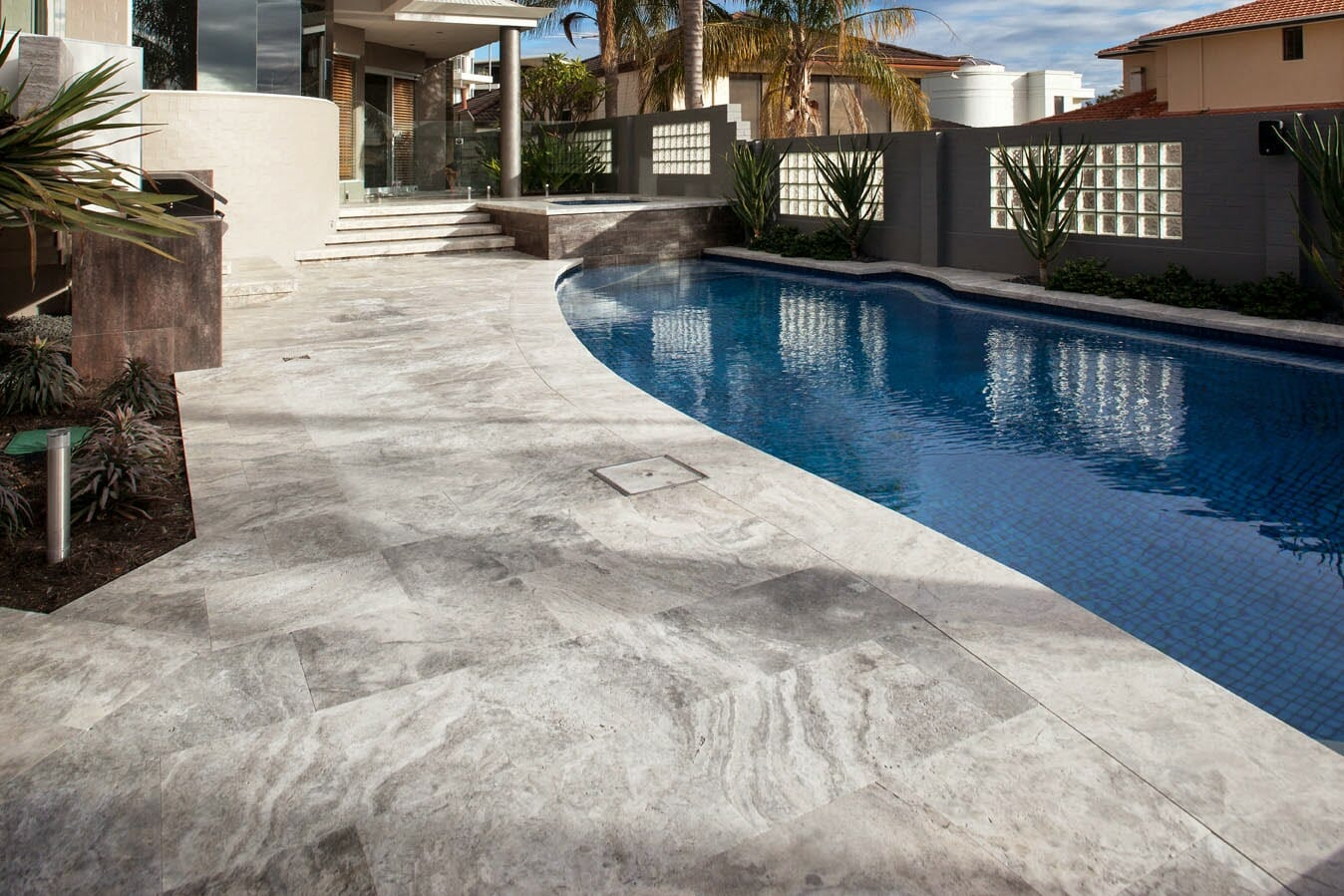 silver-french-pattern-unfilled-tumbled-travertine-POOL.jpg